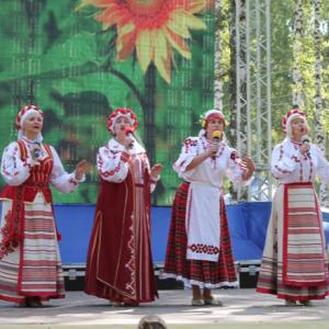 Вокальный ансамбль «Медуница» на международном фестивале «Праздник Топора»